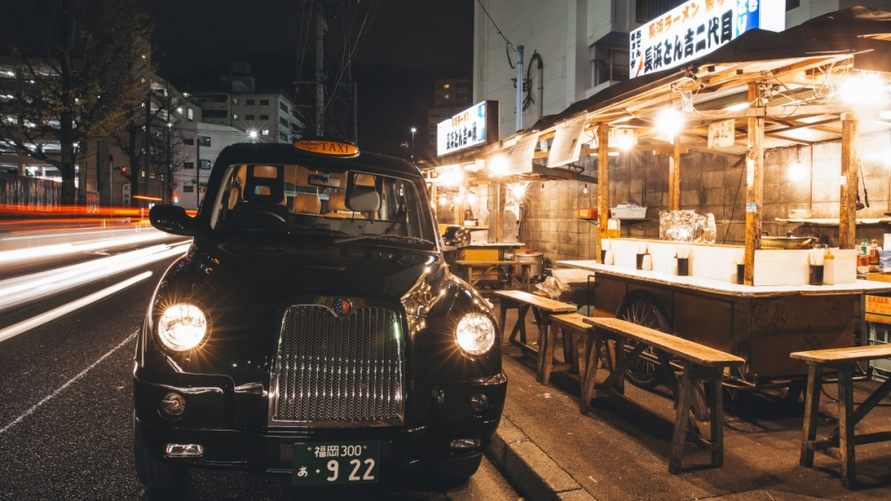 Traditional spot tour by black cab